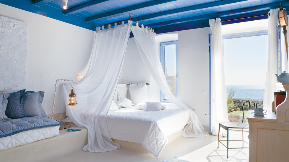Cobalt Blu Villa on the Waterfront with Private Pool|Designed to take full advantage of the brilliant Aegean light