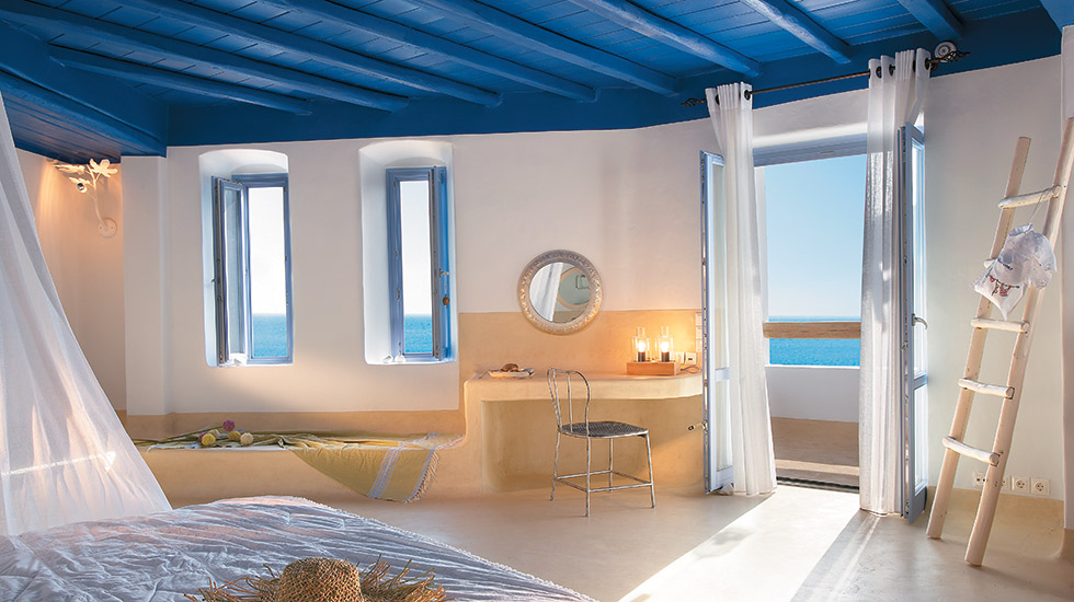 Island Blu Villa with Private Pool|Master Bedroom with king size bed facing the sea