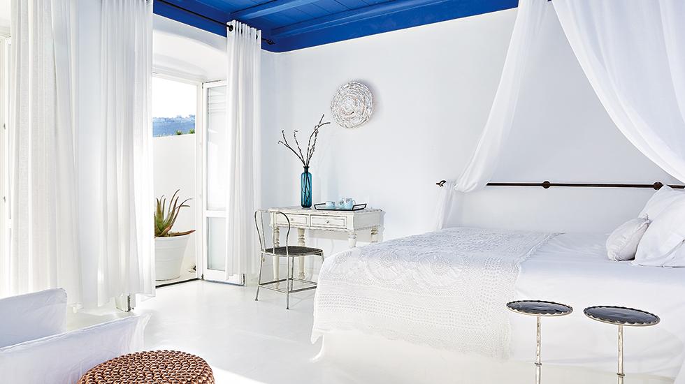 15e-Royal-Blu-Mansion-2nd-Master-Bedroom-Suite