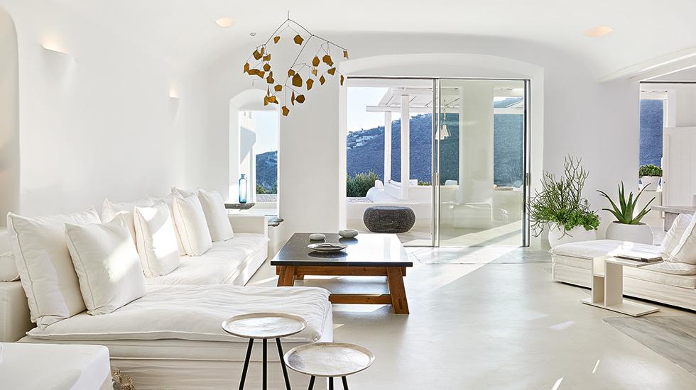 24a-Royal-Blu-Mansion-Living-area
