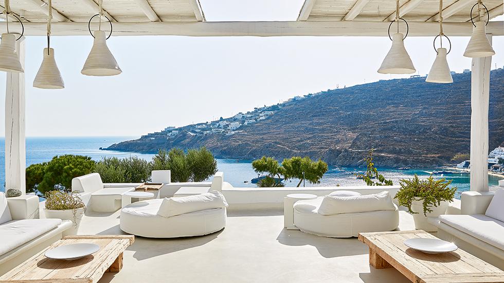 24c-Royal-Blu-Mansion-outdoor-Living-area