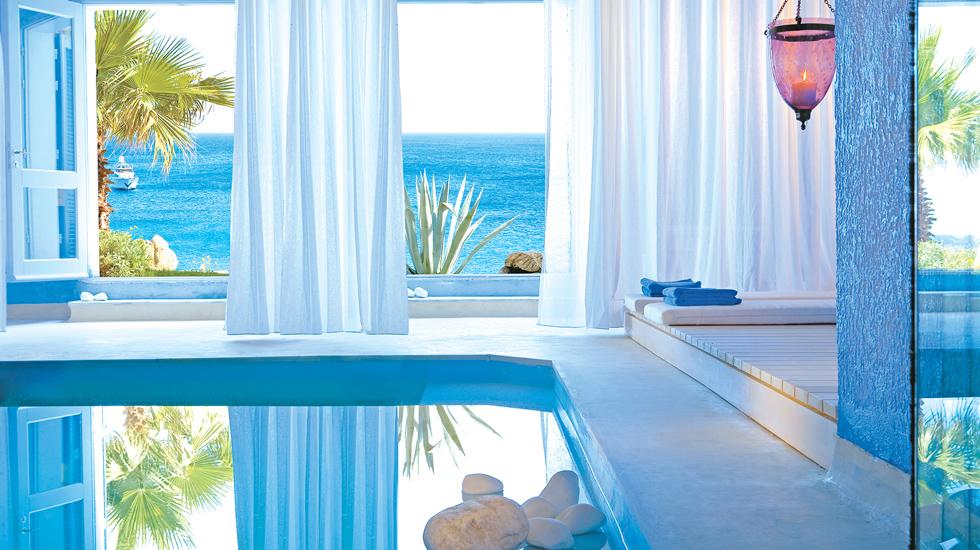 Suite in Mykonos private indoor pool
