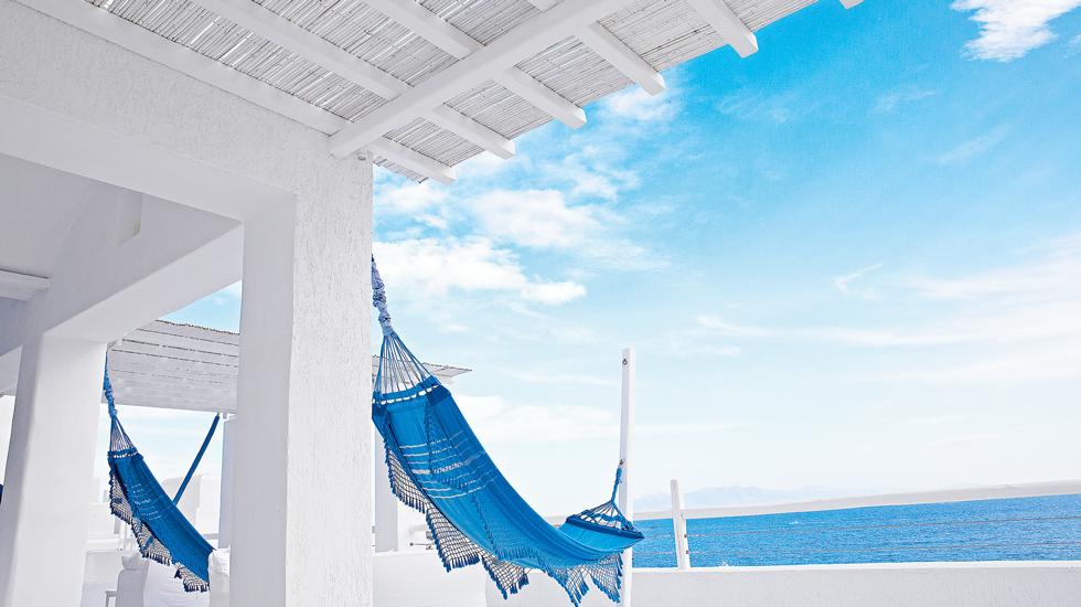Luxury Hotel Near Psarou Beach