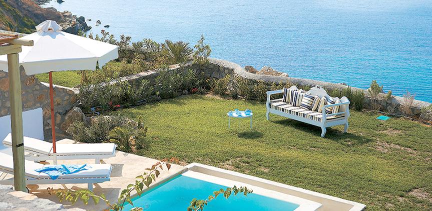 cobalt-blu-villa-with-outdoor-living-area-overlooking-the-sea