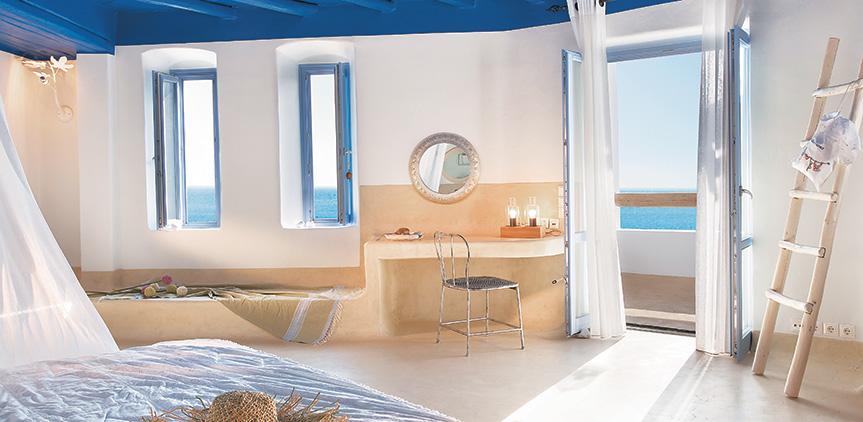 island-blu-villa-king-sized-bed-facing-the-sea
