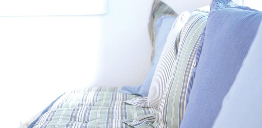 island-bungalow-comfortable-bedroom