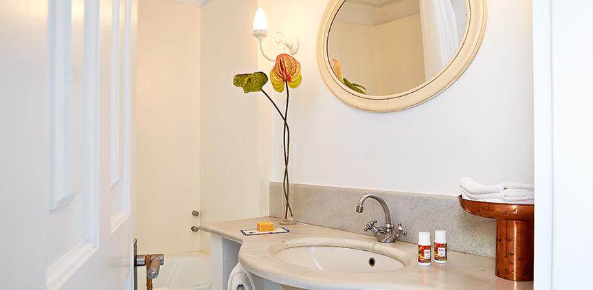 island-bungalow-marble-bathroom