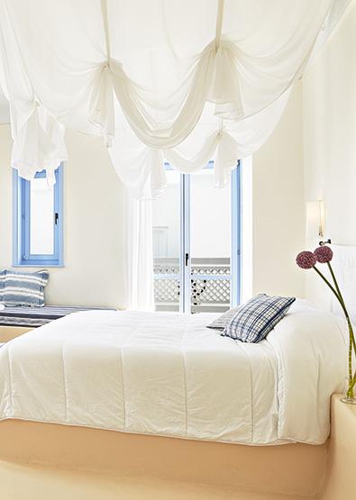 luxury-bungalow-with-private-jacuzzi-mykonos-blu
