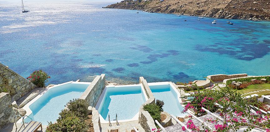 open-plan-suite-amazing-views-of-famous-psarou-beach