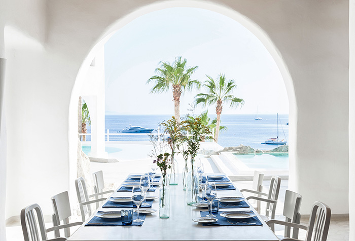 fine-dining-at-mykonos-blu