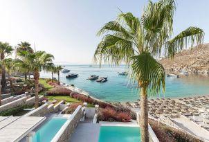 03-magnificent-views-of-psarou-beach-at-mykonos-blu