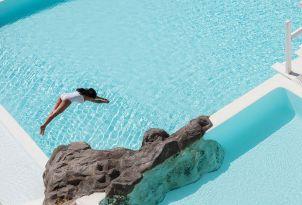 10-infinity-pool-mykonos-blu