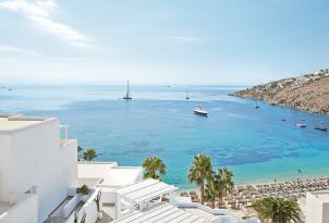14-panoramic-views-of-psarou-beach-mykonos-blu