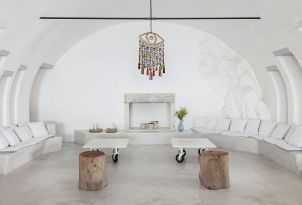 23-royal-blu-mansion-spacious-living-room