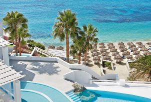 31-views-of-infinity-pool-and-psarou-beach-at-mykonos-blu