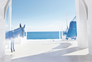 37-mykonos-blu-is-full-of-light-and-space