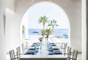 44-special-dining-mykonos-blu
