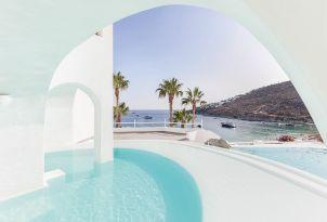 46-psarou-beach-luxury-yachts