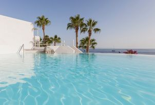 47-mykonos-blu-exclusive-resort