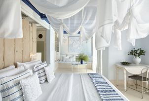 mykonos-blu-resort-luxury-villa-cobalt-blu-king-size-bed