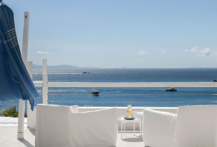 delos-lounges-with-breathtaking-views